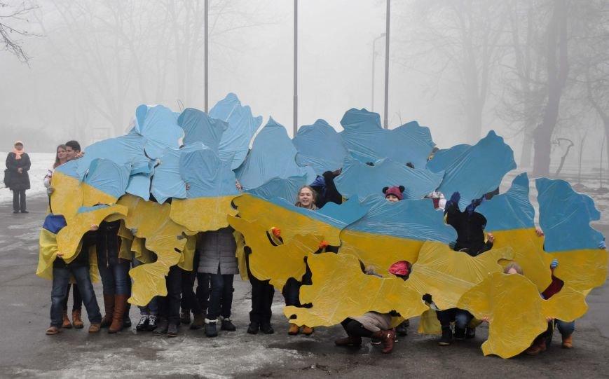 ФОТОРЕПОРТАЖ: Запорожцы с двух берегов Днепра воссоединились на плотине Днепрогэс, фото-7