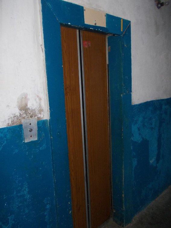 На Харьковщине мужчина на несколько тысяч обворовал лифты (фото) - фото 1