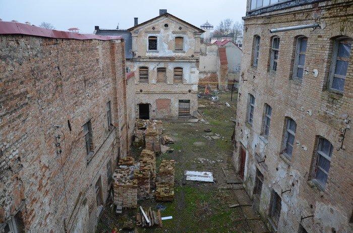 Фоторепортаж: «Муравьефф-отель» вместо реконструкции законсервируют и перепродадут (фото) - фото 32