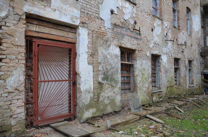 Фоторепортаж: «Муравьефф-отель» вместо реконструкции законсервируют и перепродадут (фото) - фото 10