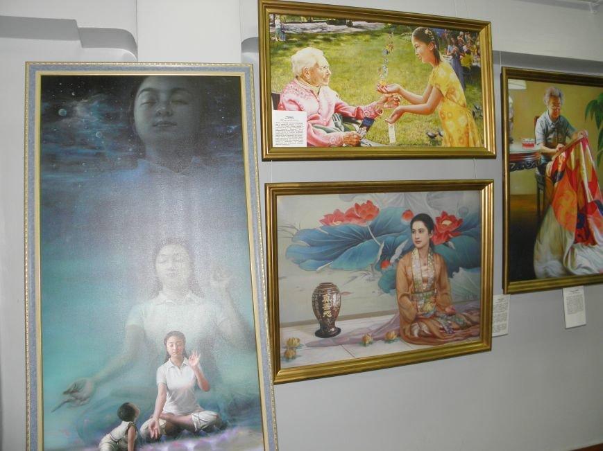 В Краматорск приехала международная выставка «Искусство. Истина. Доброта. Терпение». (фото) - фото 4