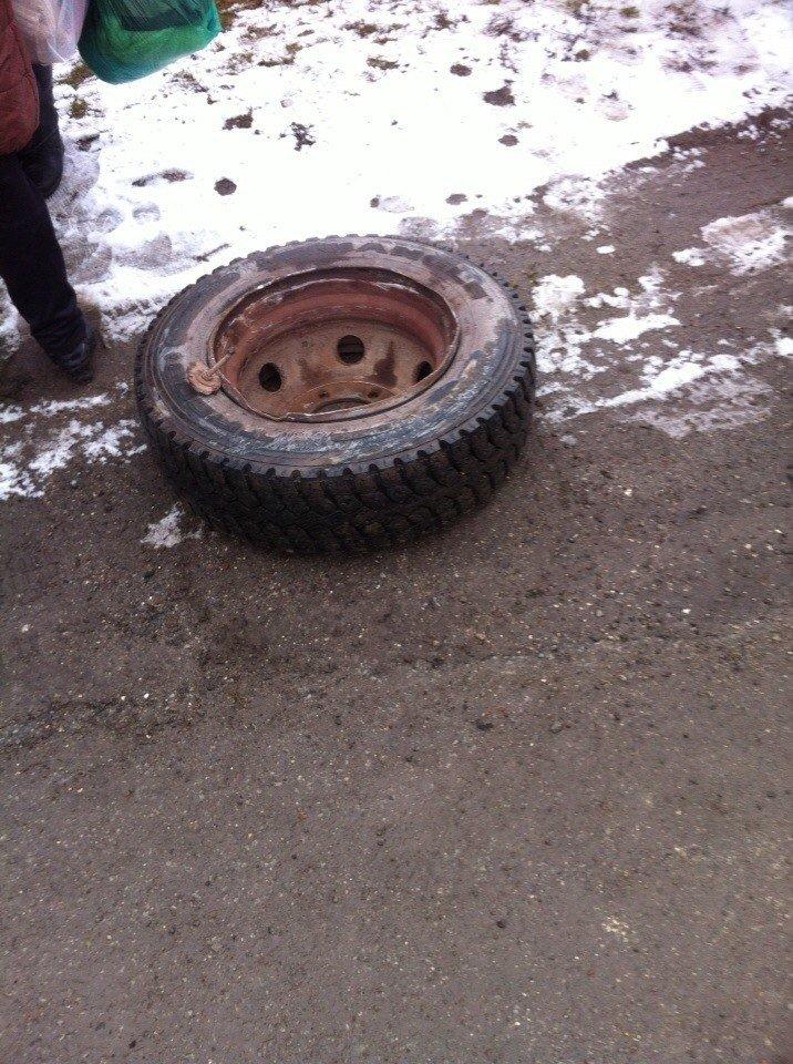 В пасажирському автобусі, який їхав до Тернополя, вилетіло колесо (фото) (фото) - фото 1