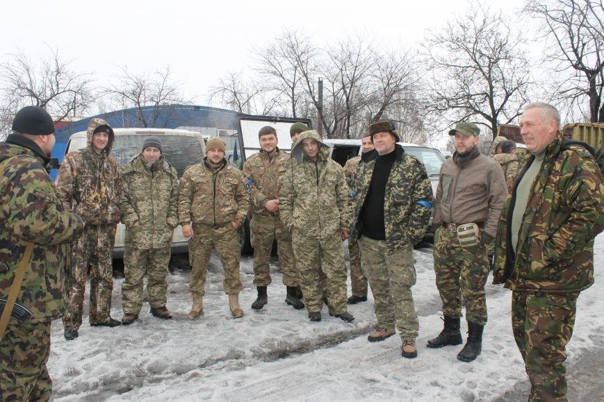 Андрей Цаплиенко: «В Песках добровольцы и военные понимают, что в любой момент могут погибнуть, но паники нет – есть настрой победить» ФОТО, фото-2