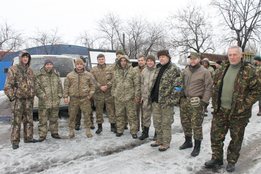 Андрей Цаплиенко: «В Песках добровольцы и военные понимают, что в любой момент могут погибнуть, но паники нет – есть настрой победить» ФОТО, фото-9