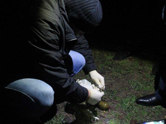 По Николаеву бродил мужчина с гранатометом и полными карманами гранат Ф-1 и РГД-5 (ФОТО) (фото) - фото 3