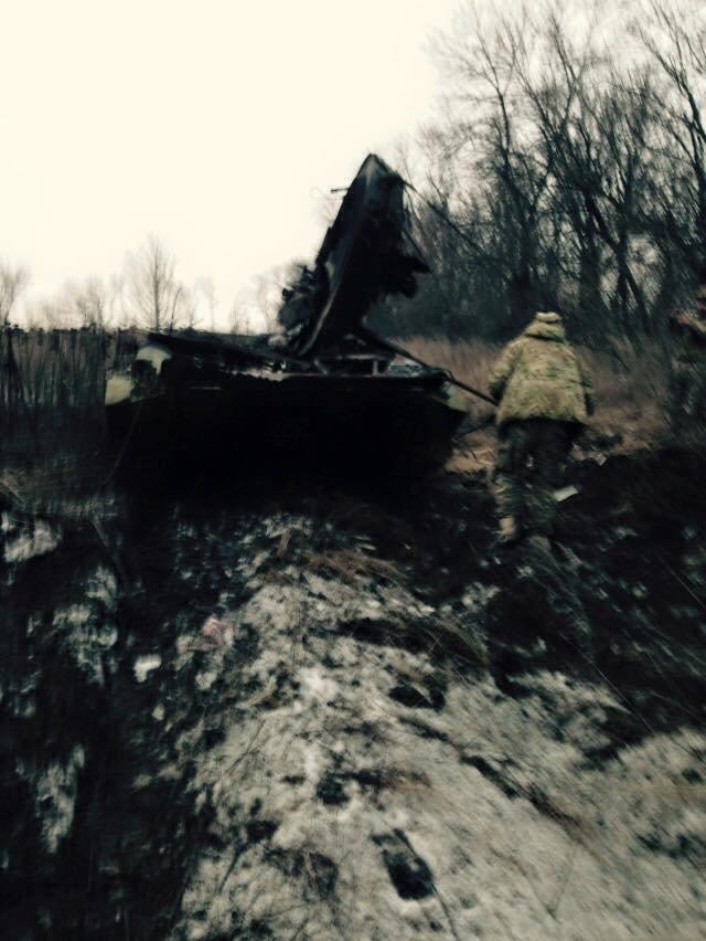 25-я бригада ВДВ вблизи Донецкого аэропорта разбили колонну боевиков, - Рычкова (ФОТО) (фото) - фото 1