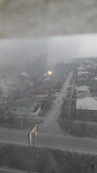 Левый берег Мариуполя обстрелян боевиками. Есть раненые и погибшие (ФОТО+ВИДЕО, ДОПОЛНЕНО) (фото) - фото 4
