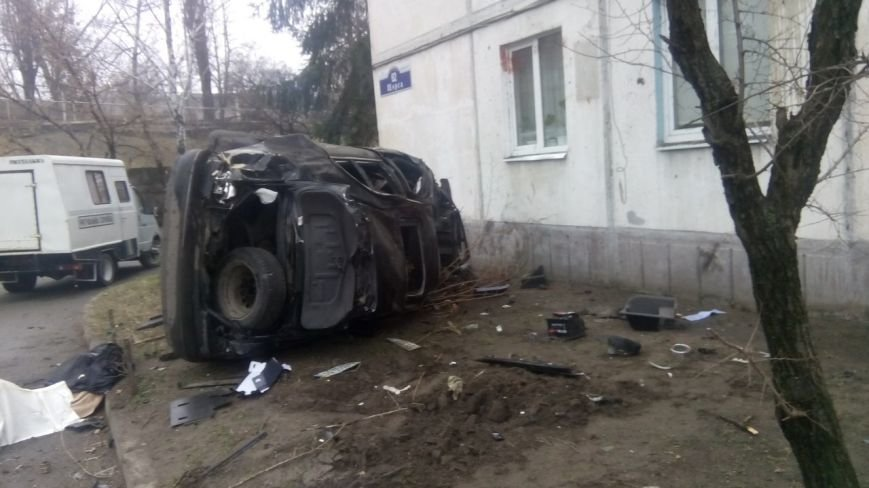 Сегодня утром в Кременчуге произошло страшное ДТП - два человека погибли (ФОТО) (фото) - фото 1