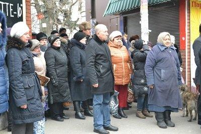 В Донецке состоялась панихида в память о погибших мирных жителях (фото) - фото 2