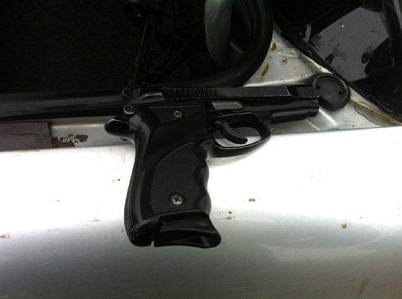 В Николаеве водитель не смог объяснить, откуда у него оружие в авто (ФОТО) (фото) - фото 3