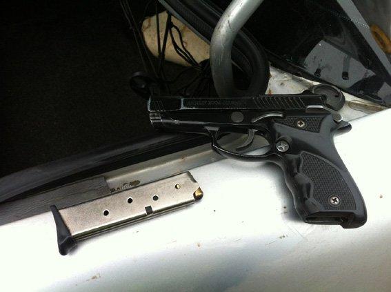 В Николаеве водитель не смог объяснить, откуда у него оружие в авто (ФОТО) (фото) - фото 2