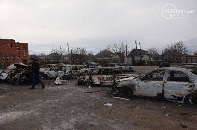 Мариуполь приходит в себя после вчерашнего обстрела (фото) - фото 2
