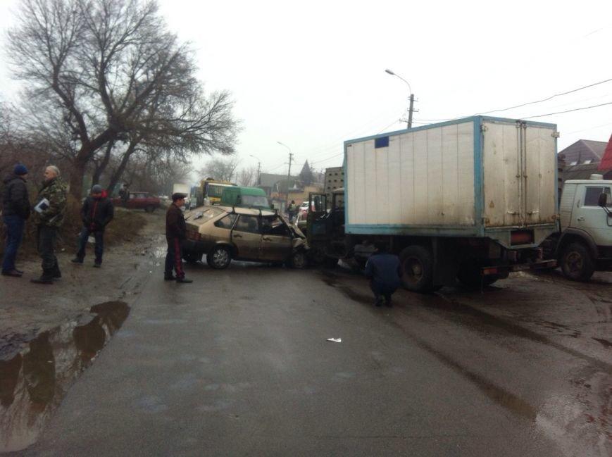 В Днепропетровске «ЗиЛ» врезался в «ВАЗ», фото-4