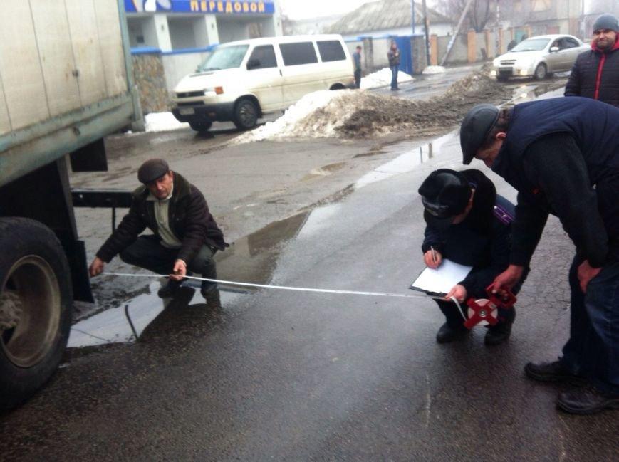 В Днепропетровске «ЗиЛ» врезался в «ВАЗ», фото-3