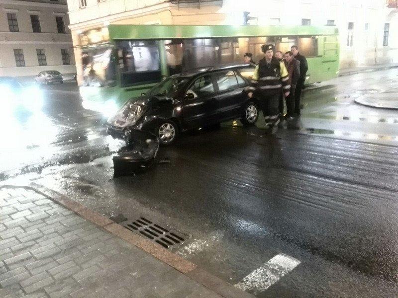 В Гродно водитель задумался и врезался в «скорую помощь» (Фото) (фото) - фото 4