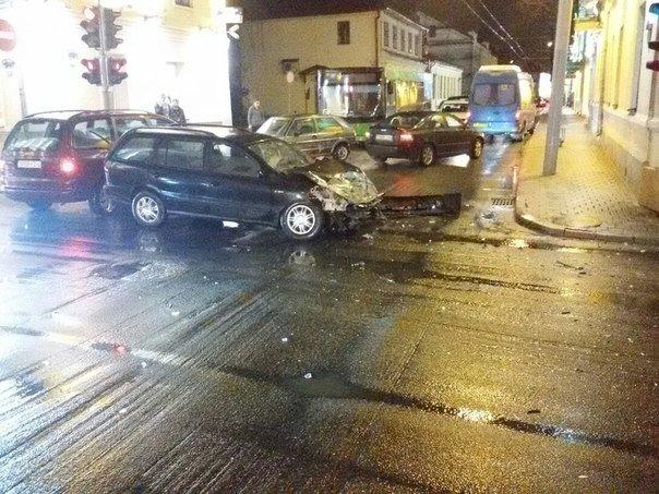 В Гродно водитель задумался и врезался в «скорую помощь» (Фото) (фото) - фото 1