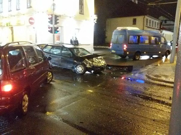 В Гродно водитель задумался и врезался в «скорую помощь» (Фото) (фото) - фото 2
