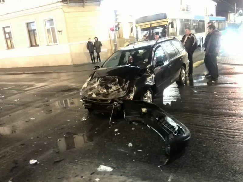 В Гродно водитель задумался и врезался в «скорую помощь» (Фото) (фото) - фото 5