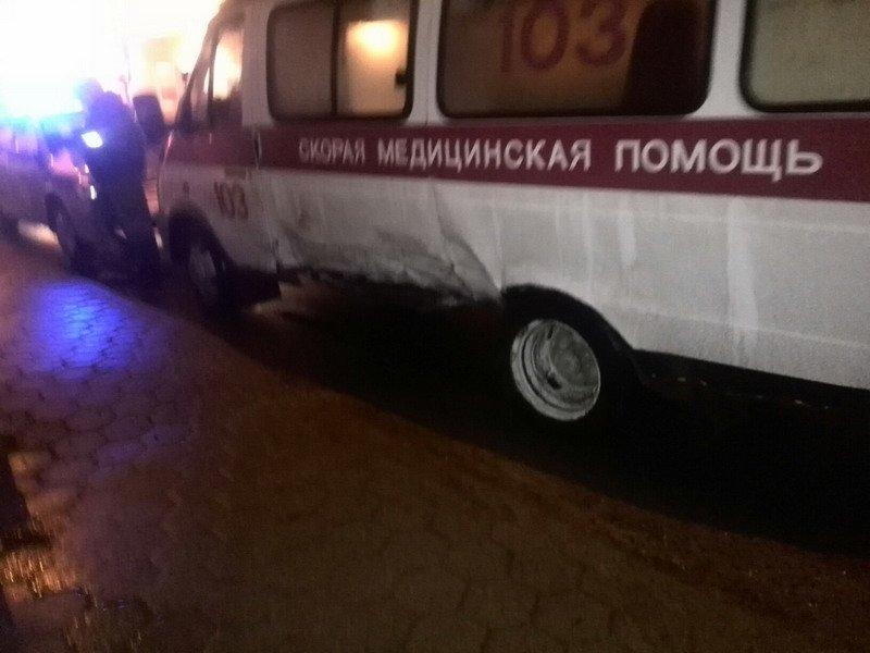 В Гродно водитель задумался и врезался в «скорую помощь» (Фото) (фото) - фото 3