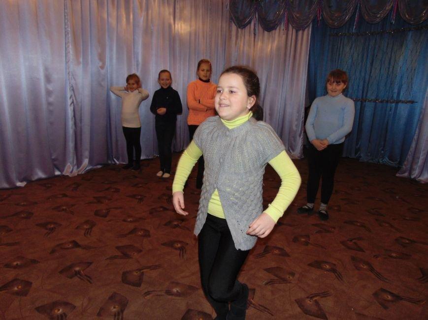 В Димитрове в центре «Бригантина» прошли «Зимние забавы» (фото) - фото 8
