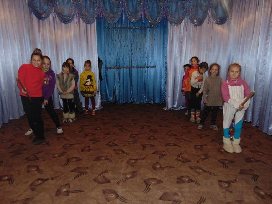 В Димитрове в центре «Бригантина» прошли «Зимние забавы» (фото) - фото 21
