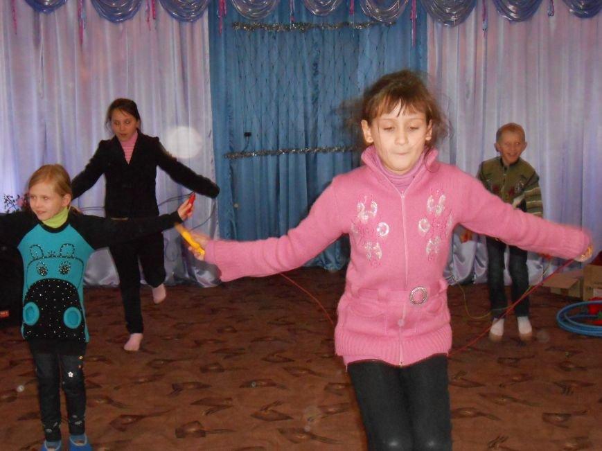 В Димитрове в центре «Бригантина» прошли «Зимние забавы» (фото) - фото 26