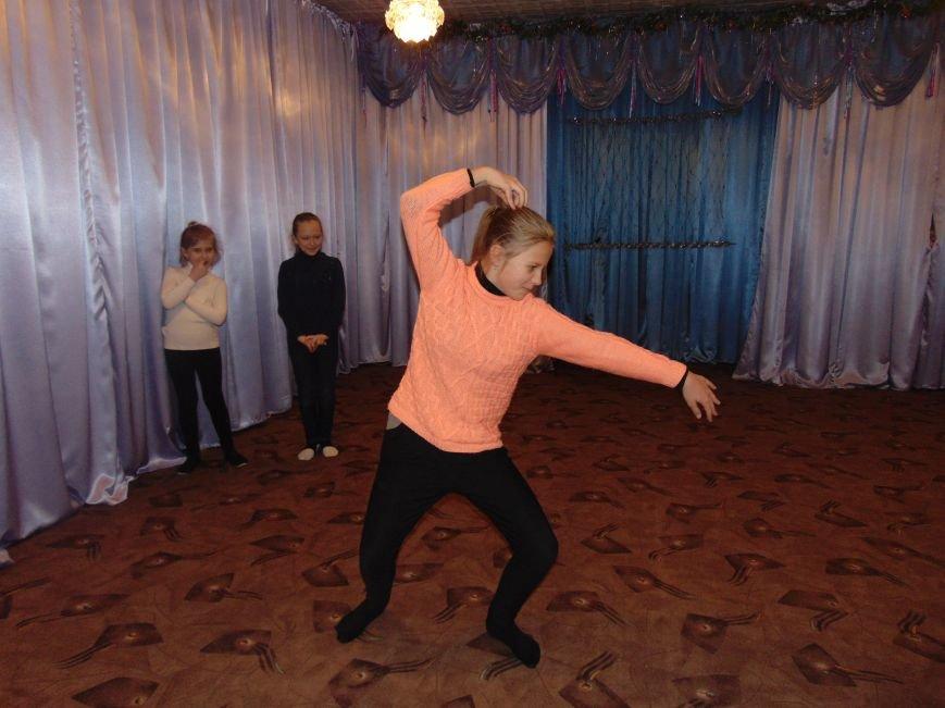 В Димитрове в центре «Бригантина» прошли «Зимние забавы» (фото) - фото 10