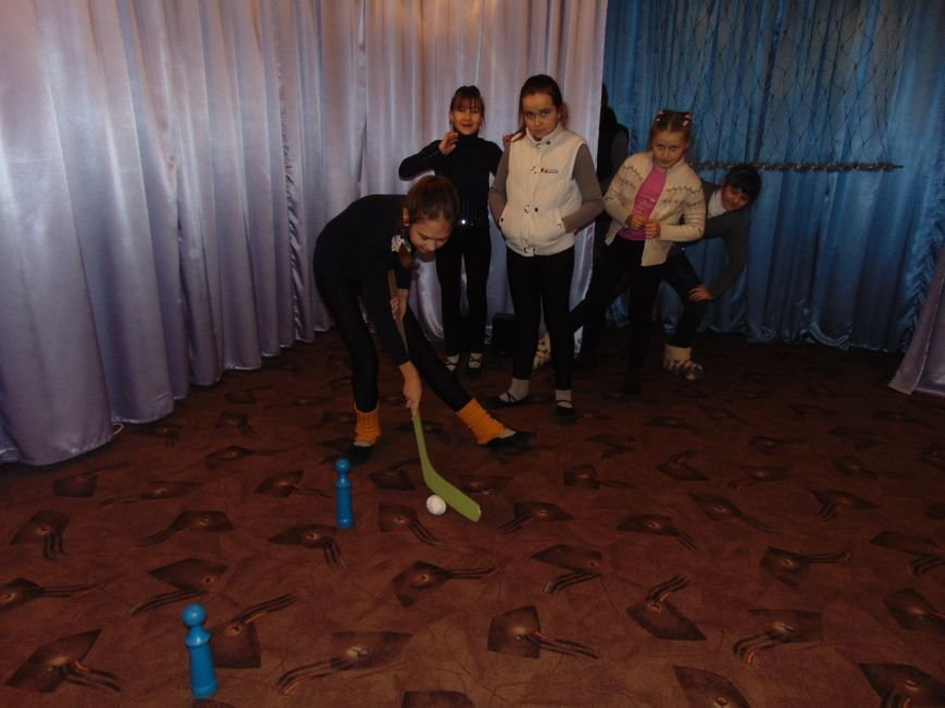 В Димитрове в центре «Бригантина» прошли «Зимние забавы» (фото) - фото 14