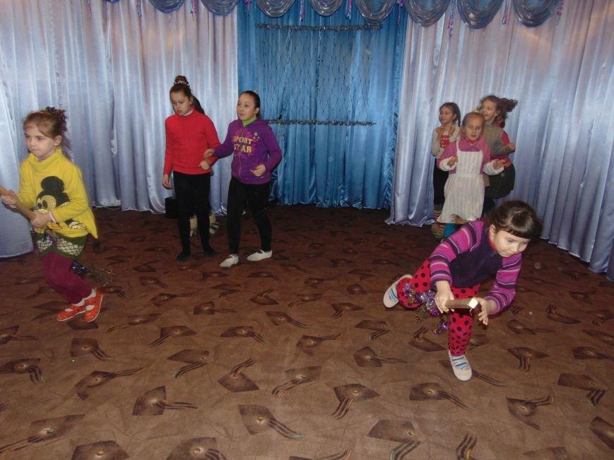 В Димитрове в центре «Бригантина» прошли «Зимние забавы» (фото) - фото 22