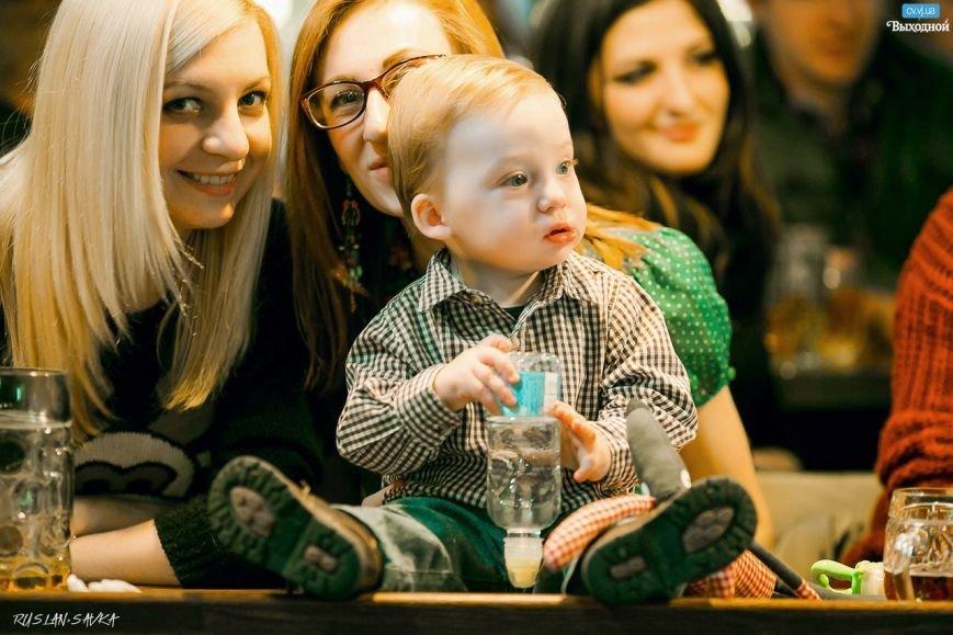 Чернівецькі музиканти зібрали 19 тисяч на лікування 4-х річної дівчинки (фото) - фото 1