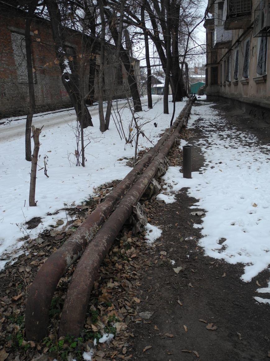 Труба к дому № 1 ул. Х-летия Октября