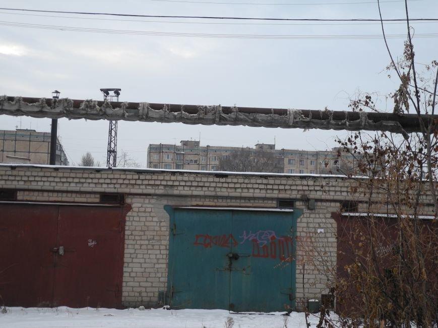 По этим трубам идёт подача тепла в дома по ул. Умниковой, Х-лет. Октября и Урицкого