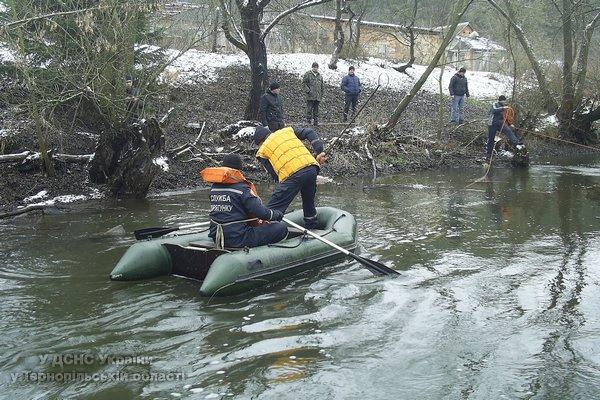 На Тернопільщині вже майже тиждень рятувальники шукають зниклого чоловіка (фото) (фото) - фото 1