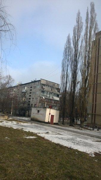 В Авдеевке после обстрелов артиллерией «ДНР» страшные разрушения (ФОТО) (фото) - фото 4