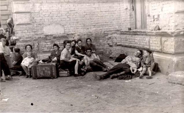 У Львові вшанували жертв Голокосту: ТОП-5 думок про трагедію (фото) - фото 1