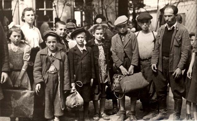 У Львові вшанували жертв Голокосту: ТОП-5 думок про трагедію (фото) - фото 3