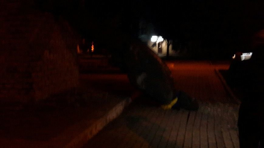 Ленинопад докатился и до Доброполья: ночью неизвестые снели памятник вождю (фото) - фото 3