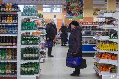 Фотофакт: на открытие продуктового магазина «Квасовский» на ул. Болдина собралось несколько сотен гродненцев (фото) - фото 14