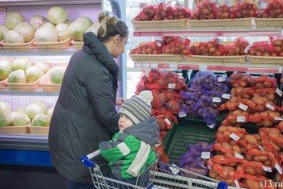 Фотофакт: на открытие продуктового магазина «Квасовский» на ул. Болдина собралось несколько сотен гродненцев (фото) - фото 6