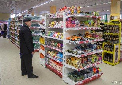 Фотофакт: на открытие продуктового магазина «Квасовский» на ул. Болдина собралось несколько сотен гродненцев (фото) - фото 9