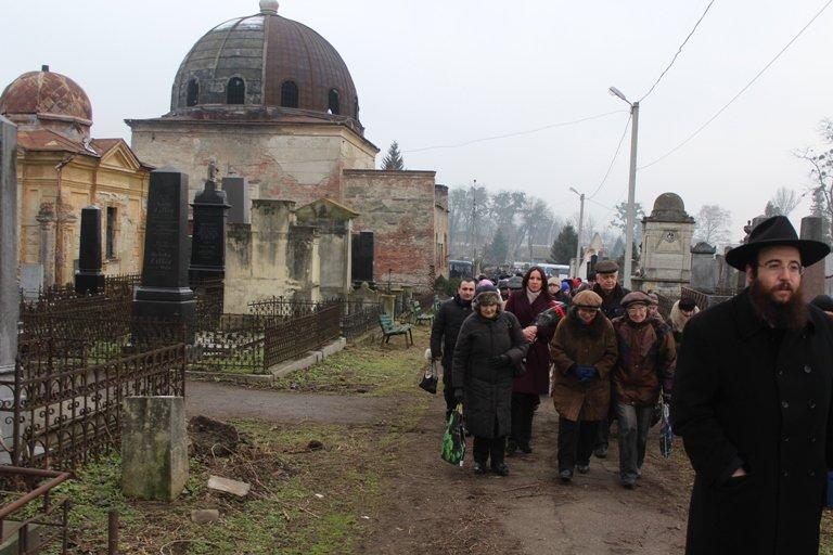 У Чернівцях вшанували пам'ять жертв Голокосту (фото) - фото 1