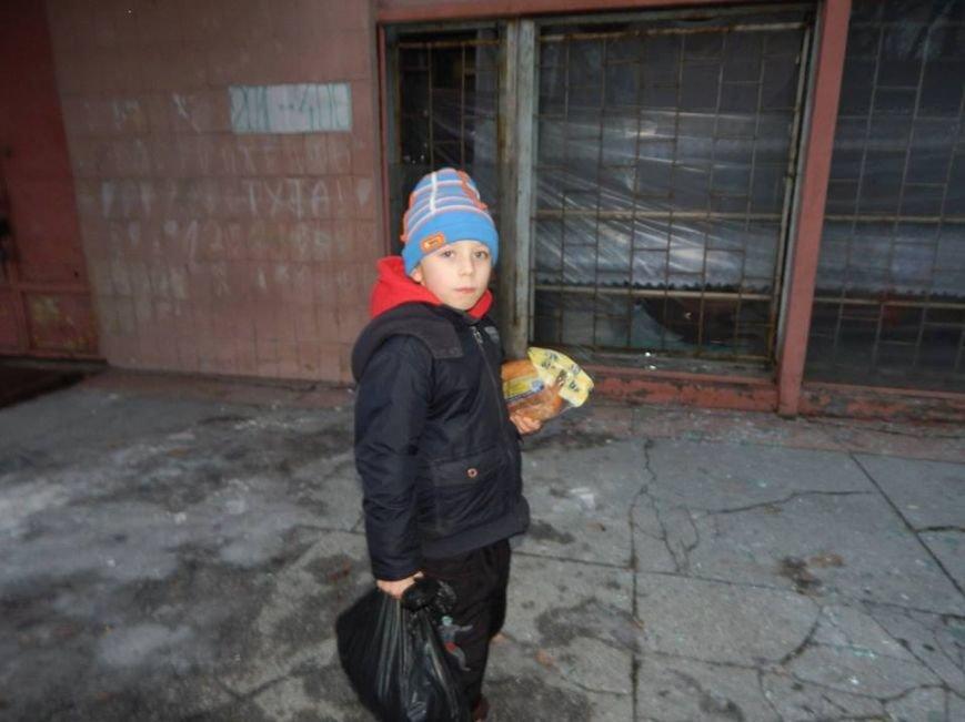 Волонтерская группа «Новое поколение» накормила тысячу авдеевцев (фото), фото-3