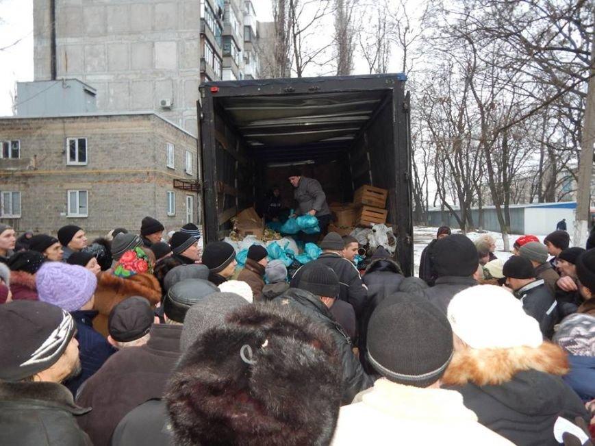 Волонтерская группа «Новое поколение» накормила тысячу авдеевцев (фото), фото-2