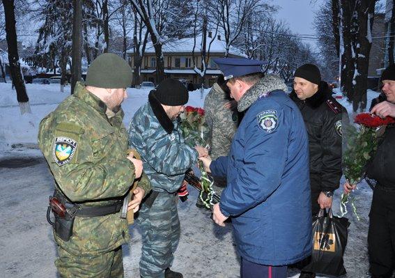 В Сумы на лечение вернулись милиционеры, попавшие под обстрел «Градов» (ФОТО) (фото) - фото 1