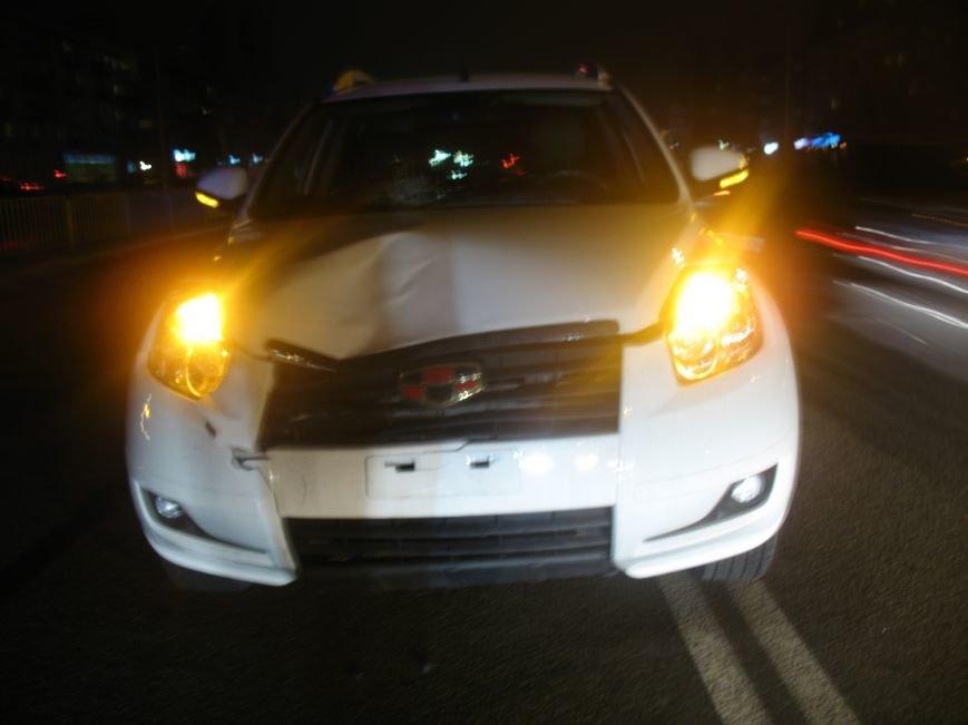 На проспекте имени газеты «Правда» авто сбило человека, фото-3