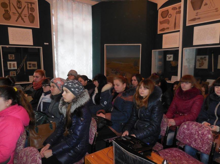 «Молодые герои Крут» - в Красноармейске вспоминали о подвиге студентов (фото) - фото 2