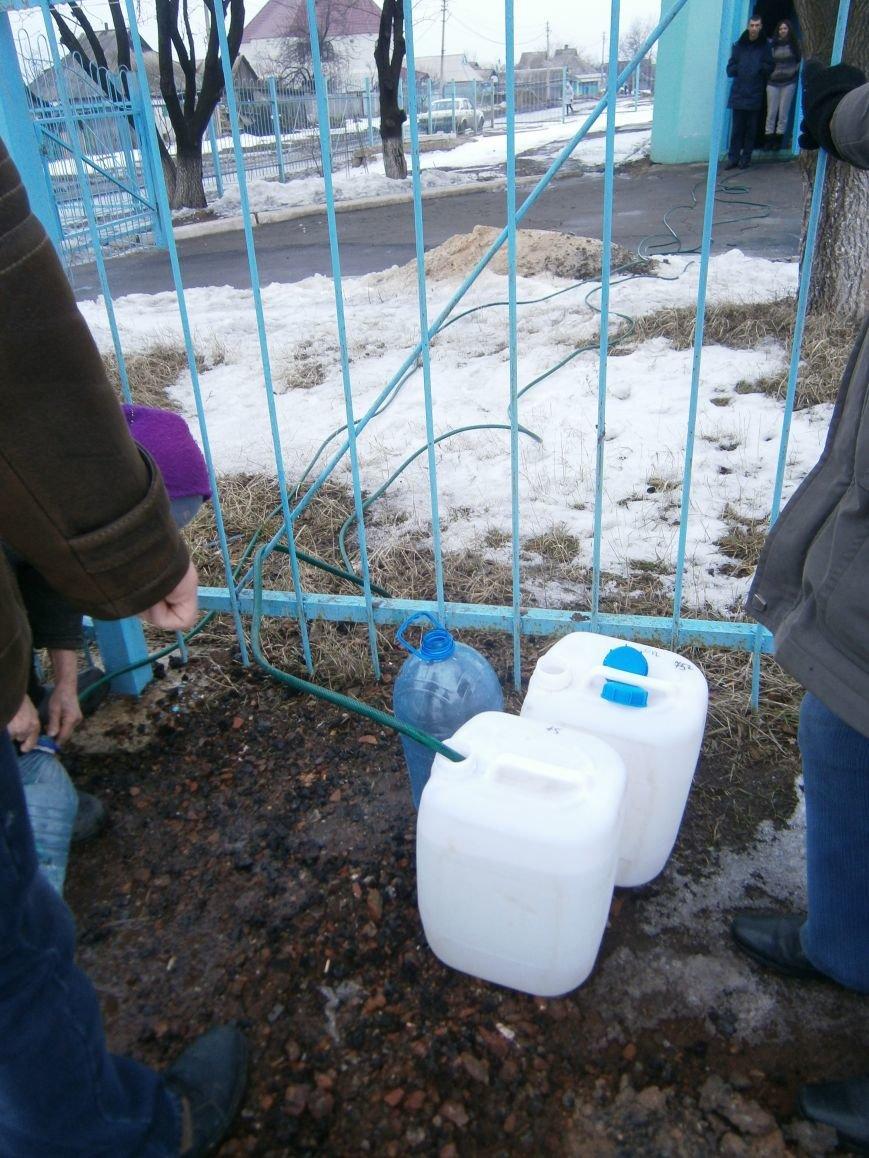 Жители Димитрова снова в поисках воды (фото) - фото 18