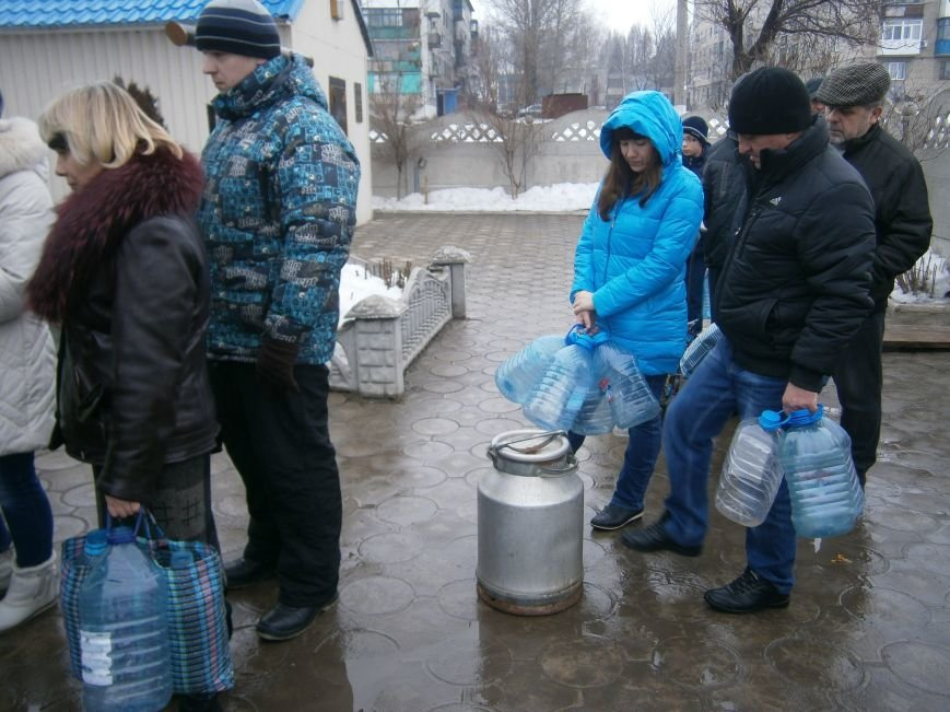 Жители Димитрова снова в поисках воды (фото) - фото 10