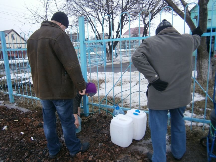 Жители Димитрова снова в поисках воды (фото) - фото 19