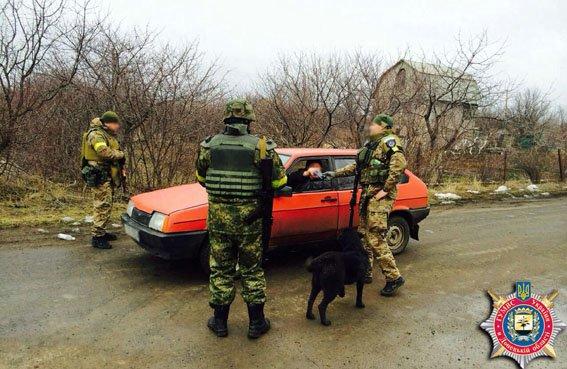 Правоохранители проводят оперативную работу в Гнутово (ФОТО) (фото) - фото 1